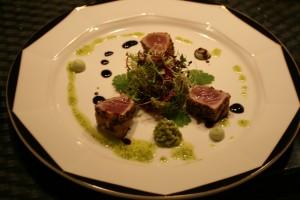Salat vom Thunfisch mit Avocado